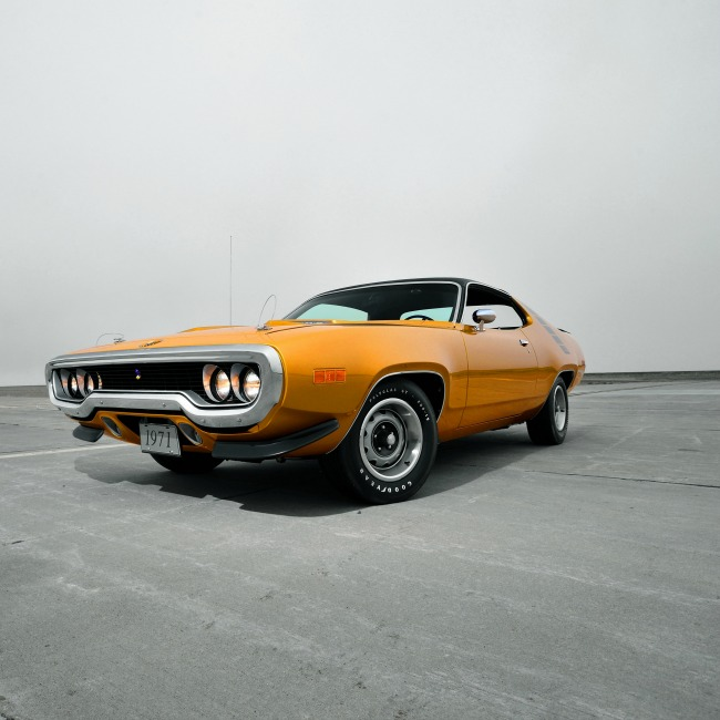 plymouth_road_runner_1971